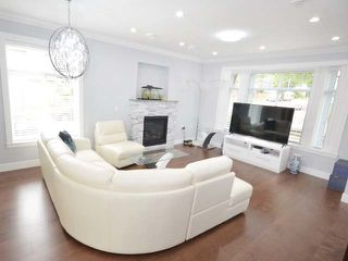 Photo 2: 3308 AUSTREY Avenue in Vancouver: Collingwood VE House for sale (Vancouver East)  : MLS®# R2397730