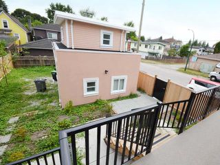 Photo 16: 3308 AUSTREY Avenue in Vancouver: Collingwood VE House for sale (Vancouver East)  : MLS®# R2397730
