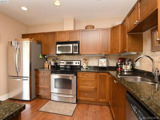 Photo 7: 106 1825 Kings Road in VICTORIA: SE Camosun Row/Townhouse for sale (Saanich East)  : MLS®# 419139
