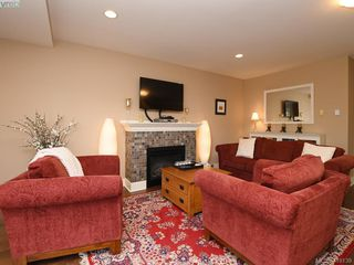 Photo 11: 106 1825 Kings Road in VICTORIA: SE Camosun Row/Townhouse for sale (Saanich East)  : MLS®# 419139