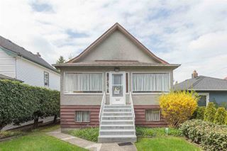 Photo 1: 4435 PRINCE ALBERT Street in Vancouver: Fraser VE House for sale (Vancouver East)  : MLS®# R2451213