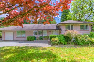 Photo 1: 90 GLENGARRY Crescent in West Vancouver: Glenmore House for sale : MLS®# R2476872