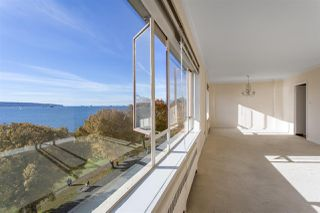 """Main Photo: 504 1949 BEACH Avenue in Vancouver: West End VW Condo for sale in """"Beach Town House Apartments"""" (Vancouver West)  : MLS®# R2515064"""