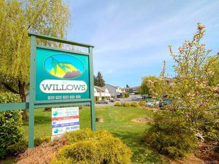 Photo 3: 305 1900 BOWEN Rd in : Na Central Nanaimo Condo for sale (Nanaimo)  : MLS®# 860322