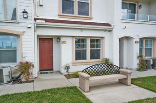 Photo 6: Townhome for sale : 3 bedrooms : 825 Harbor Cliff Way #269 in Oceanside