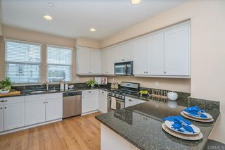 Photo 9: Townhome for sale : 3 bedrooms : 825 Harbor Cliff Way #269 in Oceanside