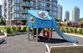 """Photo 17: 1906 7328 ARCOLA Street in Burnaby: Highgate Condo for sale in """"ESPRIT"""" (Burnaby South)  : MLS®# V901926"""