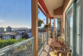 """Photo 8: 402 111 W 5TH Street in North Vancouver: Lower Lonsdale Condo for sale in """"CARMEL PLACE II"""" : MLS®# V913153"""