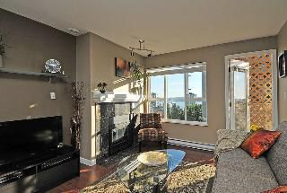 "Photo 4: 402 111 W 5TH Street in North Vancouver: Lower Lonsdale Condo for sale in ""CARMEL PLACE II"" : MLS®# V913153"