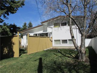 Photo 3: 2739 LIONEL Crescent SW in Calgary: Lakeview House for sale : MLS®# C4008938