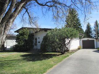 Photo 2: 2739 LIONEL Crescent SW in Calgary: Lakeview House for sale : MLS®# C4008938
