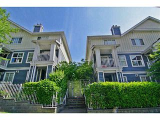 "Photo 1: 25 123 SEVENTH Street in New Westminster: Uptown NW Townhouse for sale in ""Royal City Terrace"" : MLS®# V1124217"