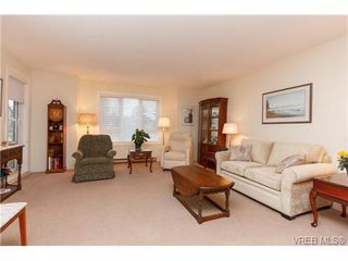 Photo 3: 204 2510 Bevan Avenue in SIDNEY: Si Sidney South-East Condo Apartment for sale (Sidney)  : MLS®# 358213