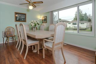 """Photo 4: 8229 18TH Avenue in Burnaby: East Burnaby House for sale in """"EAST BURNABY"""" (Burnaby East)  : MLS®# R2045815"""