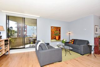 "Photo 3: 402 1616 W 13TH Avenue in Vancouver: Fairview VW Condo for sale in ""GRANVILLE GARDENS"" (Vancouver West)  : MLS®# R2058683"