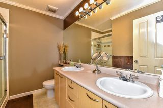 "Photo 15: 57 12778 66 Avenue in Surrey: West Newton Townhouse for sale in ""West Newton"" : MLS®# R2061926"