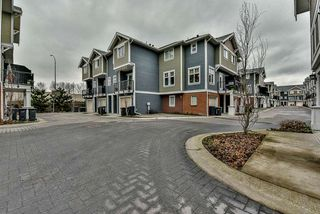 "Photo 3: 3 1135 EWEN Avenue in New Westminster: Queensborough Townhouse for sale in ""ENGLISH MEWS"" : MLS®# R2133366"