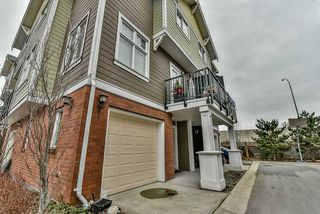 "Photo 2: 3 1135 EWEN Avenue in New Westminster: Queensborough Townhouse for sale in ""ENGLISH MEWS"" : MLS®# R2133366"