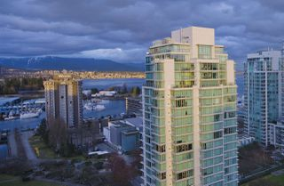 "Photo 16: 2208 1723 ALBERNI Street in Vancouver: West End VW Condo for sale in ""THE PARK"" (Vancouver West)  : MLS®# R2139408"