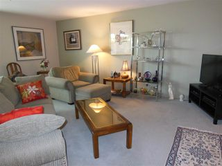 "Photo 5: 309 1000 BOWRON Court in North Vancouver: Roche Point Condo for sale in ""Parkway Terrace"" : MLS®# R2178474"