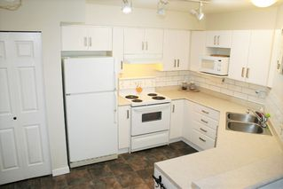 """Photo 11: 305 33599 2ND Avenue in Mission: Mission BC Condo for sale in """"Stave Lake Landing"""" : MLS®# R2243401"""