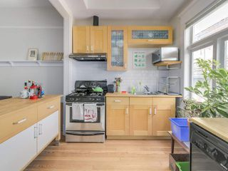 Photo 3: 786 E KING EDWARD Avenue in Vancouver: Fraser VE House for sale (Vancouver East)  : MLS®# R2245435