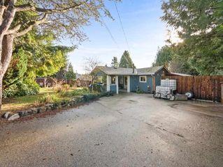 Photo 2: 4365 GUN CLUB Road in Sechelt: Sechelt District House for sale (Sunshine Coast)  : MLS®# R2253507