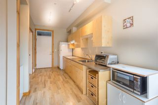 "Photo 2: 213 5604 INLET Road in Sechelt: Sechelt District Condo for sale in ""Downtown Sechelt"" (Sunshine Coast)  : MLS®# R2256994"
