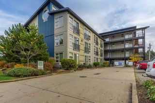 "Photo 1: 213 5604 INLET Road in Sechelt: Sechelt District Condo for sale in ""Downtown Sechelt"" (Sunshine Coast)  : MLS®# R2256994"