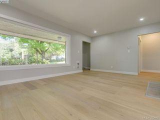 Photo 3: 907 Kingsmill Rd in VICTORIA: Es Gorge Vale Half Duplex for sale (Esquimalt)  : MLS®# 789216
