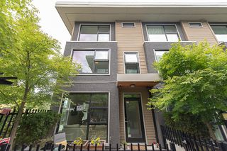 """Main Photo: 2316 WINDSOR Street in Vancouver: Mount Pleasant VE Townhouse for sale in """"7 & W"""" (Vancouver East)  : MLS®# R2281356"""