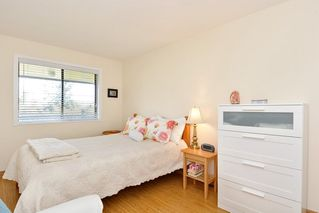 "Photo 12: 301 1531 MERKLIN Street: White Rock Condo for sale in ""Berkley Court"" (South Surrey White Rock)  : MLS®# R2306522"