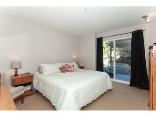 "Photo 13: 10 9036 208 Street in Langley: Walnut Grove Townhouse for sale in ""Hunter's Glen"" : MLS®# R2326258"