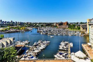 """Main Photo: 804 1000 BEACH Avenue in Vancouver: Yaletown Condo for sale in """"1000 BEACH TOWER"""" (Vancouver West)  : MLS®# R2336772"""