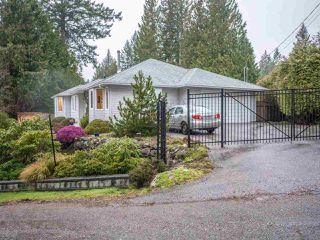 Photo 2: 4635 GERRANS BAY Road in Madeira Park: Pender Harbour Egmont House for sale (Sunshine Coast)  : MLS®# R2343774