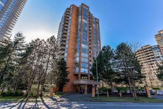 Photo 2: 705 4350 BERESFORD Street in Burnaby: Metrotown Condo for sale (Burnaby South)  : MLS®# R2368648