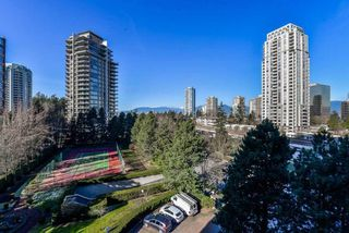 Photo 1: 705 4350 BERESFORD Street in Burnaby: Metrotown Condo for sale (Burnaby South)  : MLS®# R2368648