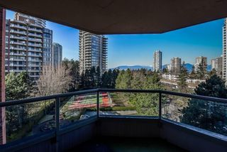 Photo 3: 705 4350 BERESFORD Street in Burnaby: Metrotown Condo for sale (Burnaby South)  : MLS®# R2368648