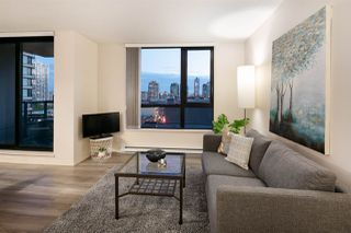 """Photo 5: 809 928 HOMER Street in Vancouver: Yaletown Condo for sale in """"YALETOWN PARK 1"""" (Vancouver West)  : MLS®# R2372319"""