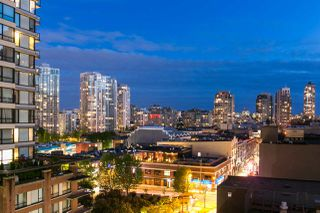 "Photo 2: 809 928 HOMER Street in Vancouver: Yaletown Condo for sale in ""YALETOWN PARK 1"" (Vancouver West)  : MLS®# R2372319"