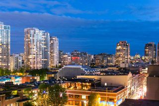 "Photo 1: 809 928 HOMER Street in Vancouver: Yaletown Condo for sale in ""YALETOWN PARK 1"" (Vancouver West)  : MLS®# R2372319"
