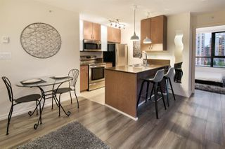 """Photo 7: 809 928 HOMER Street in Vancouver: Yaletown Condo for sale in """"YALETOWN PARK 1"""" (Vancouver West)  : MLS®# R2372319"""