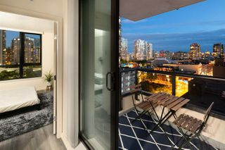 "Photo 8: 809 928 HOMER Street in Vancouver: Yaletown Condo for sale in ""YALETOWN PARK 1"" (Vancouver West)  : MLS®# R2372319"
