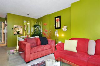 "Photo 4: 401 2004 FULLERTON Avenue in North Vancouver: Pemberton NV Condo for sale in ""Woodcroft Estates"" : MLS®# R2372867"