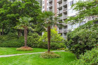 "Photo 18: 401 2004 FULLERTON Avenue in North Vancouver: Pemberton NV Condo for sale in ""Woodcroft Estates"" : MLS®# R2372867"