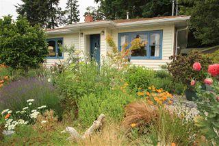 Main Photo: 4664 WHITAKER Road in Sechelt: Sechelt District House for sale (Sunshine Coast)  : MLS®# R2378754