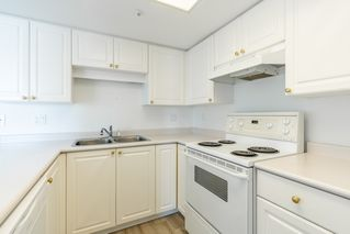 "Photo 12: 904 719 PRINCESS Street in New Westminster: Uptown NW Condo for sale in ""Stirling Place"" : MLS®# R2380335"
