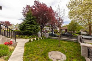 Photo 2: 2537 E 8TH Avenue in Vancouver: Renfrew VE House for sale (Vancouver East)  : MLS®# R2381824
