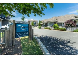 "Photo 2: 14 5469 CHINOOK Street in Sardis: Vedder S Watson-Promontory Townhouse for sale in ""RIVERWALK"" : MLS®# R2383864"