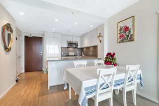 "Photo 4: 2802 3102 WINDSOR Gate in Coquitlam: New Horizons Condo for sale in ""CELADON"" : MLS®# R2384677"